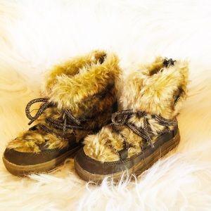 Target faux fur girls winter boots super cute